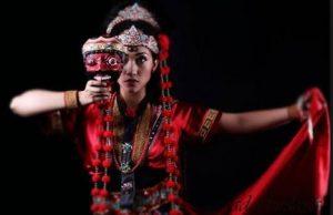 Info Budaya Tari Topeng Klana1 (Image : plukmecom)