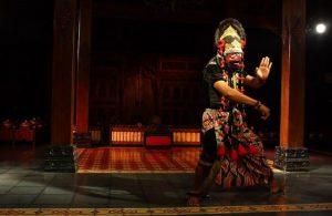 Info Budaya Tari Topeng Klana2 (image pinterestcom)