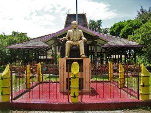 Info Budaya monumen dr.Soetomo