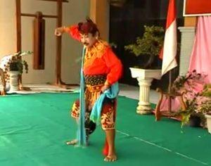 (Image Capture Youtube) Info Budaya seniman remo ali markasa