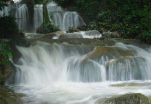 Info budaya Air Terjun mata buntu (imange :luwuraya com)