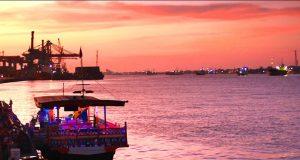 budaya indonesia sungai kapuas daerah seribu sungai (Image : indonesiakaya com)
