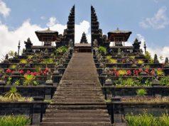 infobudaya wisata budaya bali Pura Besakih (Image : villa-bali com)