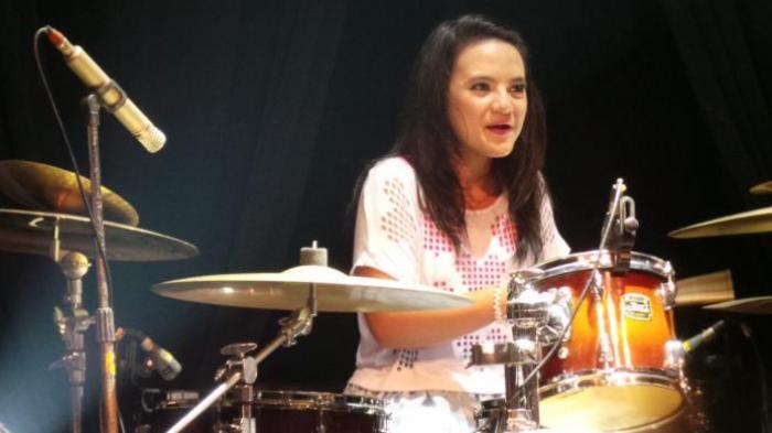 image : kapanlagi.com Jeane-Phialsa-drummer-top-indonesia